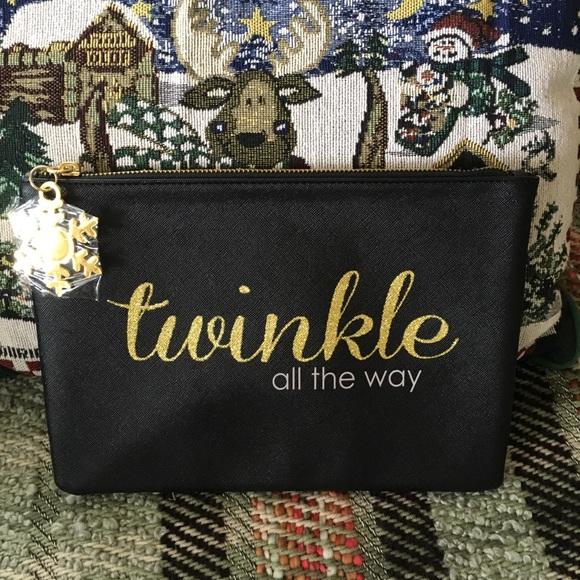 Handbags - NWOT! Holiday Cosmetic Bag w/ snowflake zip pull🎄